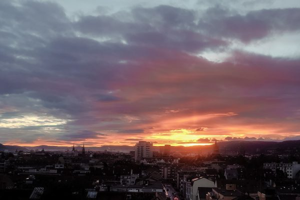 picture of the sunrise over basel